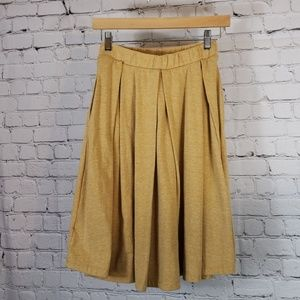 Lularoe yellow skirt with touches of white